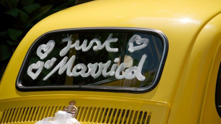 The Best Wedding Car Decorations + Fun Ways To Decorate The Wedding Car