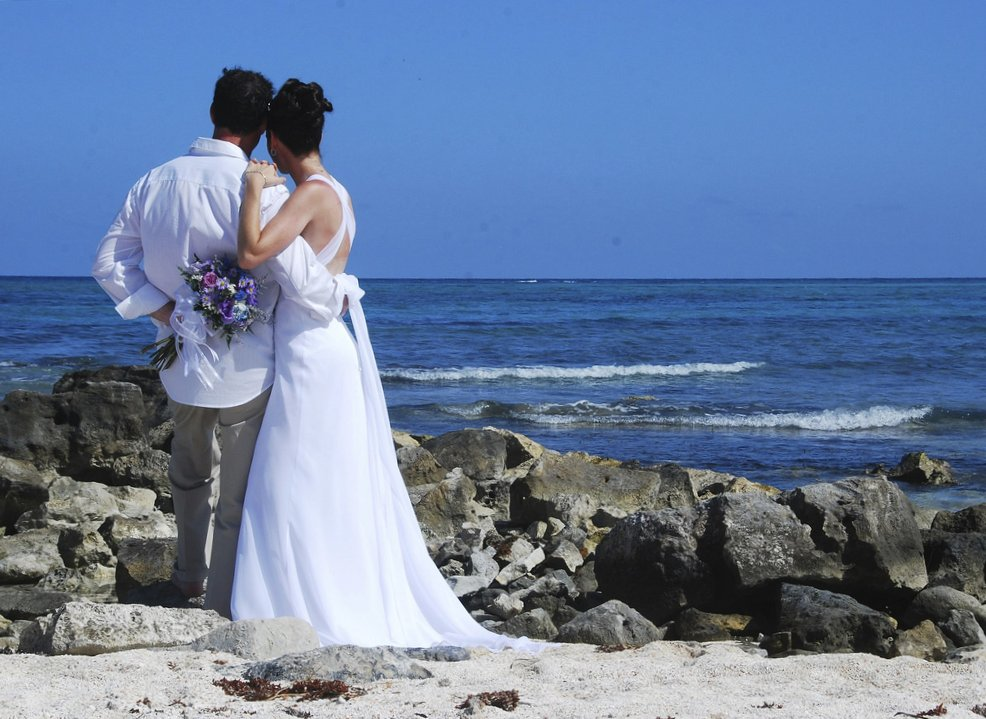 Beach wedding locations how to find the best beach for for Best wedding locations in us