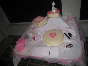 simple-wedding-cake-by-sun-dazed.jpg