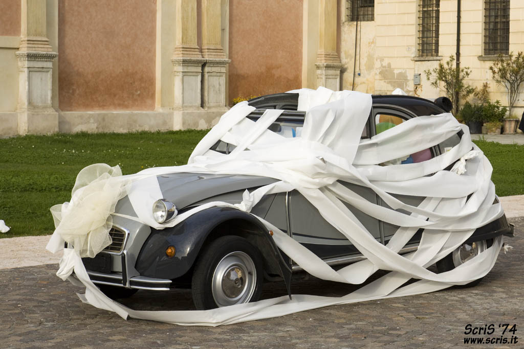 Wedding Car Wrapped In Toilet Paper By ScriS